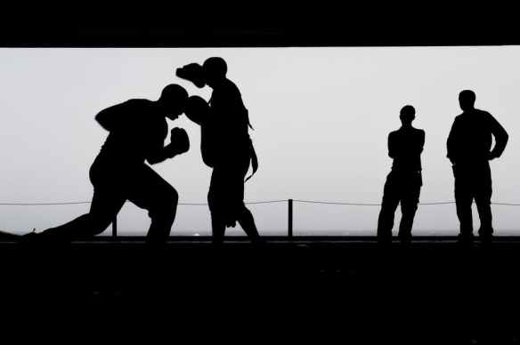 boxing-training-workout-silhouettes-39582.jpg